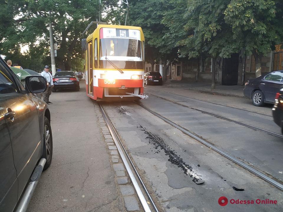 В Одессе не ходят трамваи №5 и №28