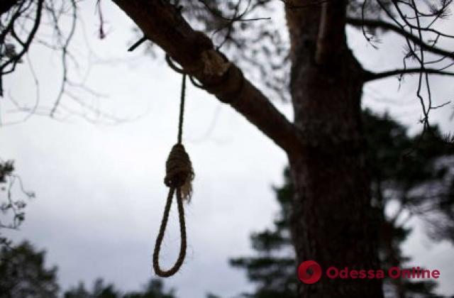 Пропавшего под Одессой 25-летнего парня нашли повешенным