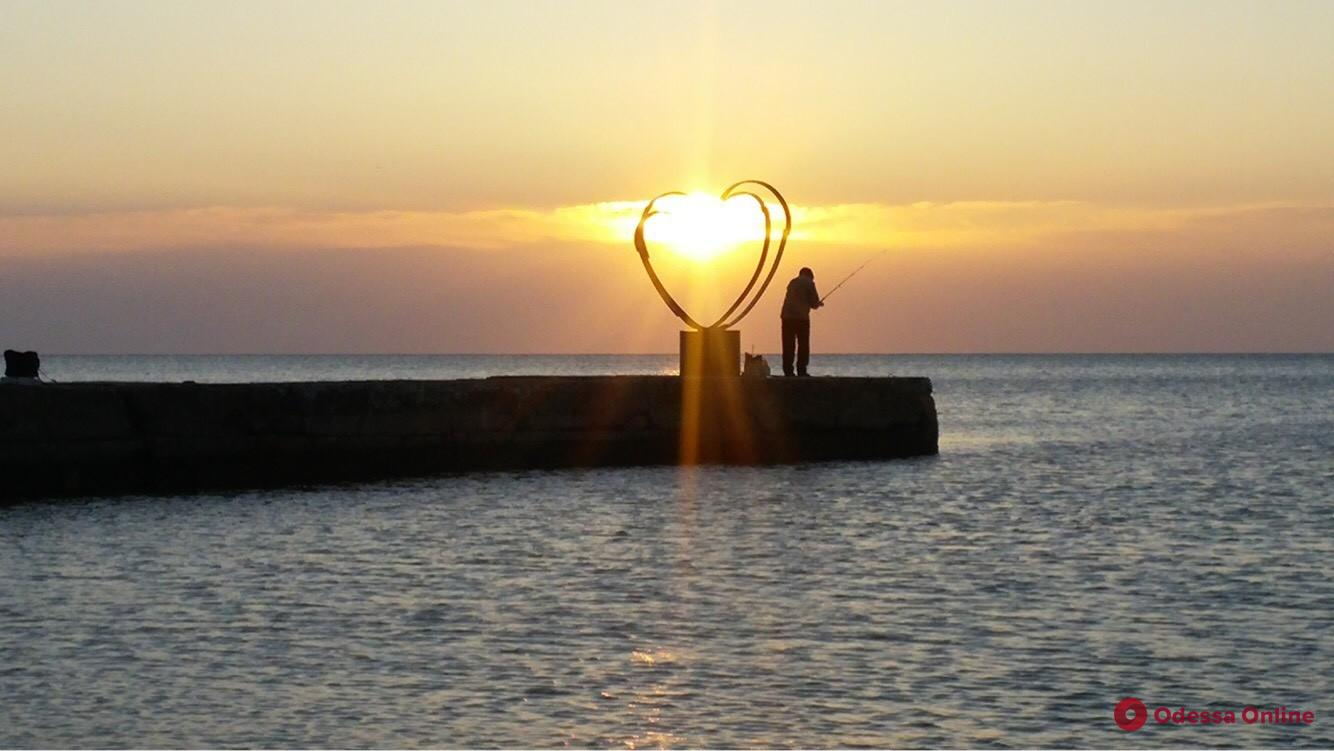 На одесском пляже пройдет фестиваль свободных искусств «Солнечное сердце»