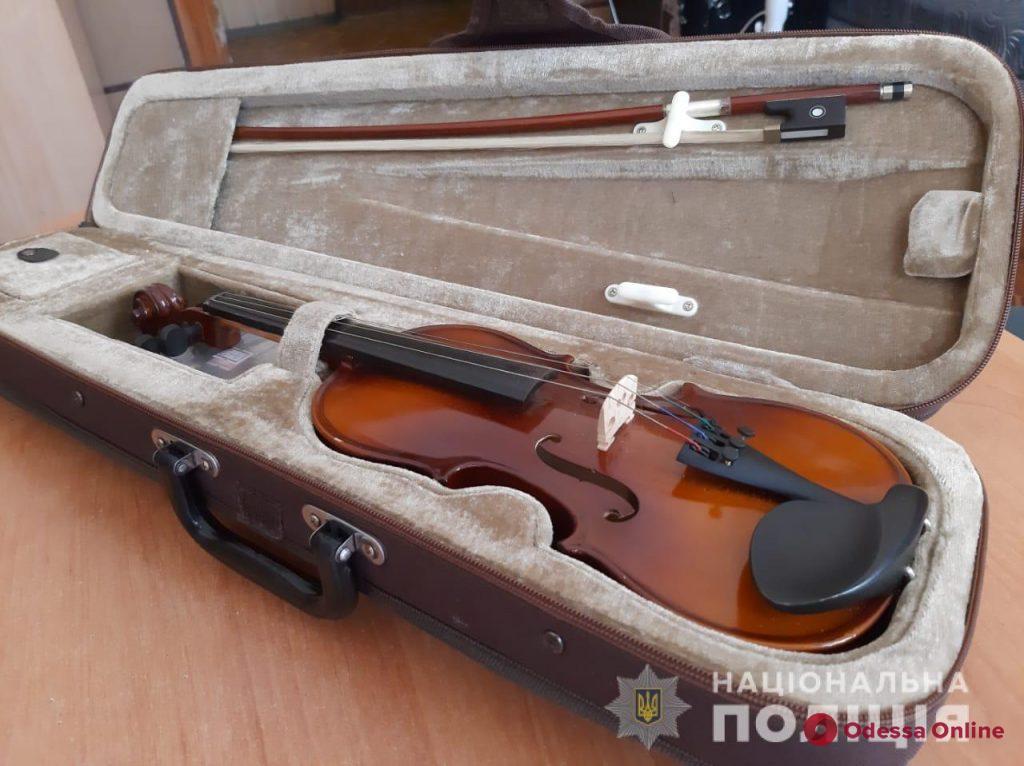 В Одессе задержали 18-летнего парня, обокравшего музей и музыкальную школу