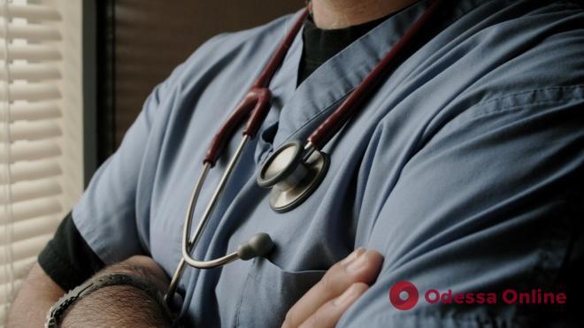 С 1 сентября украинским медикам повысят зарплату
