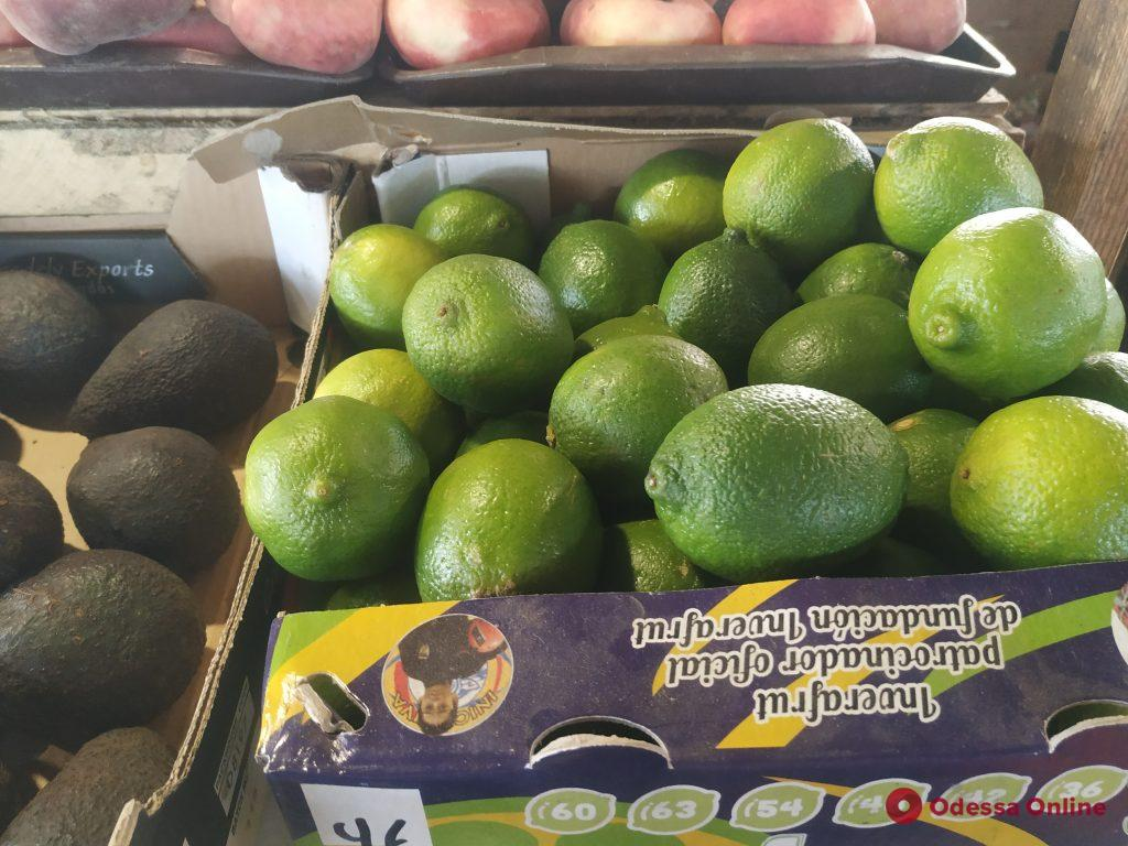 Камбала, кукуруза и абрикосы: воскресные цены на одесском «Привозе»