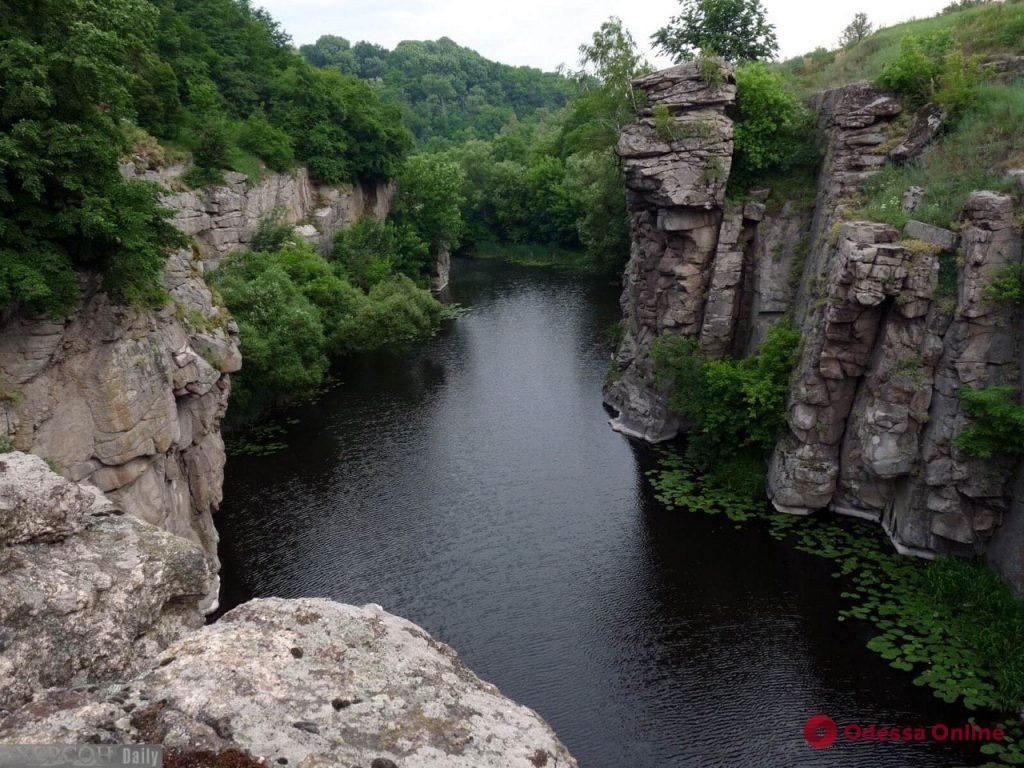 Путешествие в Долину дьявола: «пуп земли», место силы и природное джакузи (фото, видео)