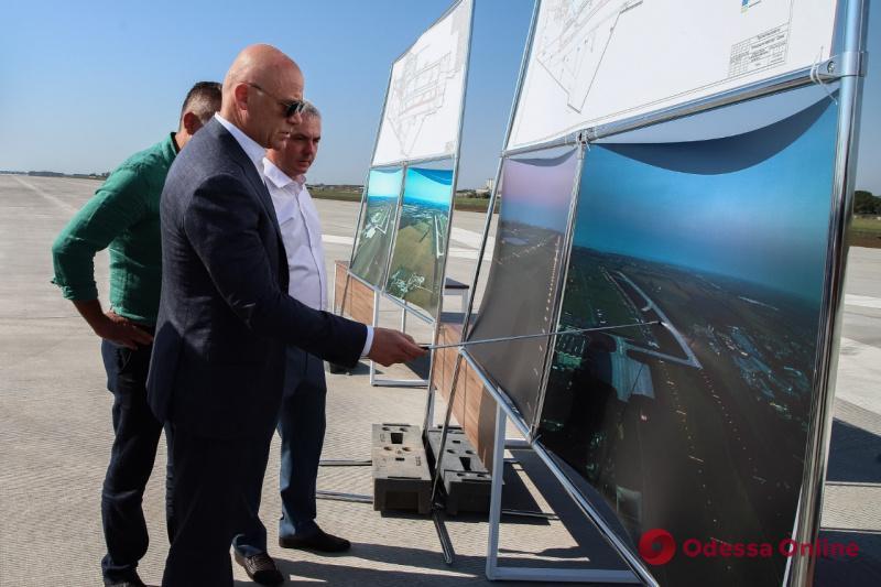 Геннадий Труханов: Готовность международного аэропорта «Одесса» по основным строительным объемам выполнена на 100%
