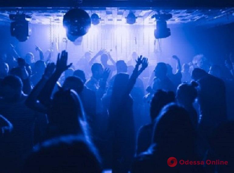 В одесской полиции рассказали, в каких ночных клубах и ресторанах не соблюдают карантин