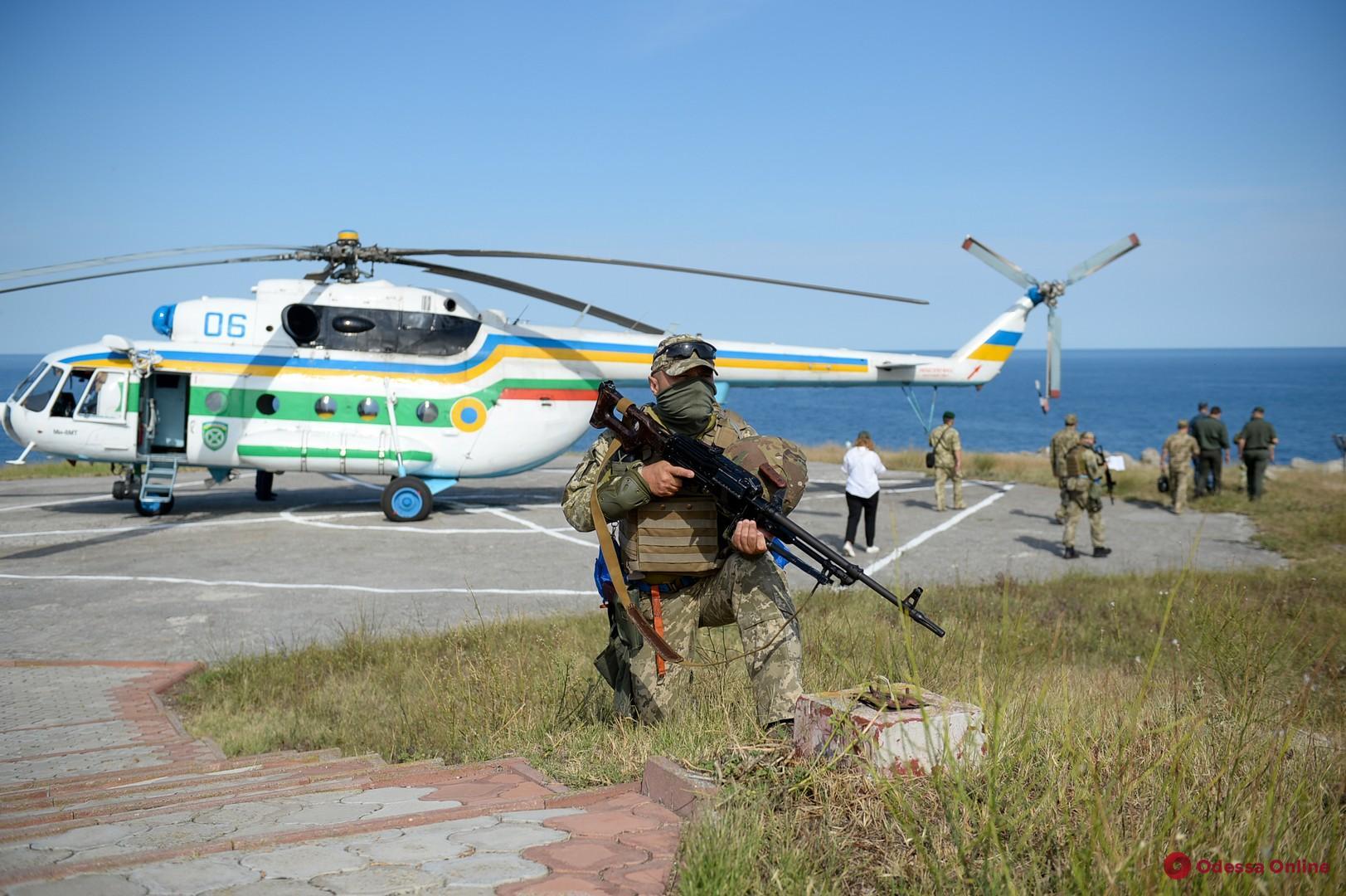 Пограничники и ВМС провели совместные учения у берегов Одессы (фото, видео)