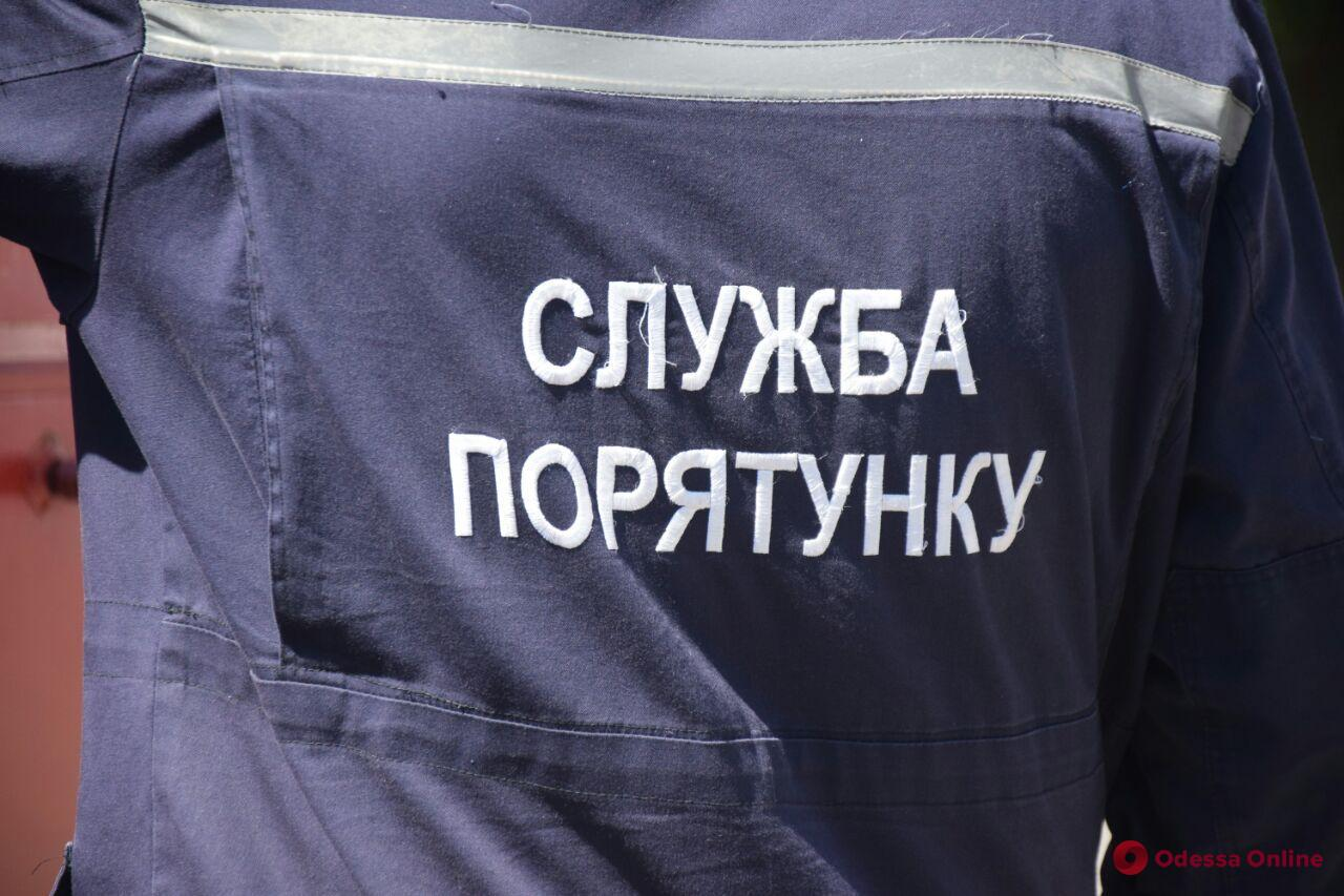 На поселке Котовского во время пожара спасли женщину и ее сына