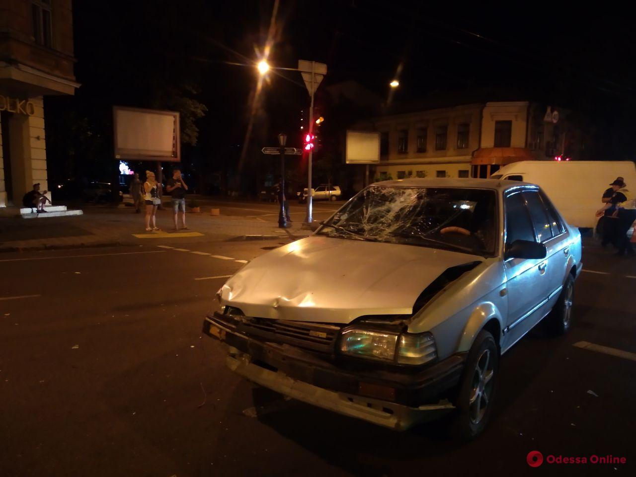В ДТП в центре Одессы пострадал мотоциклист