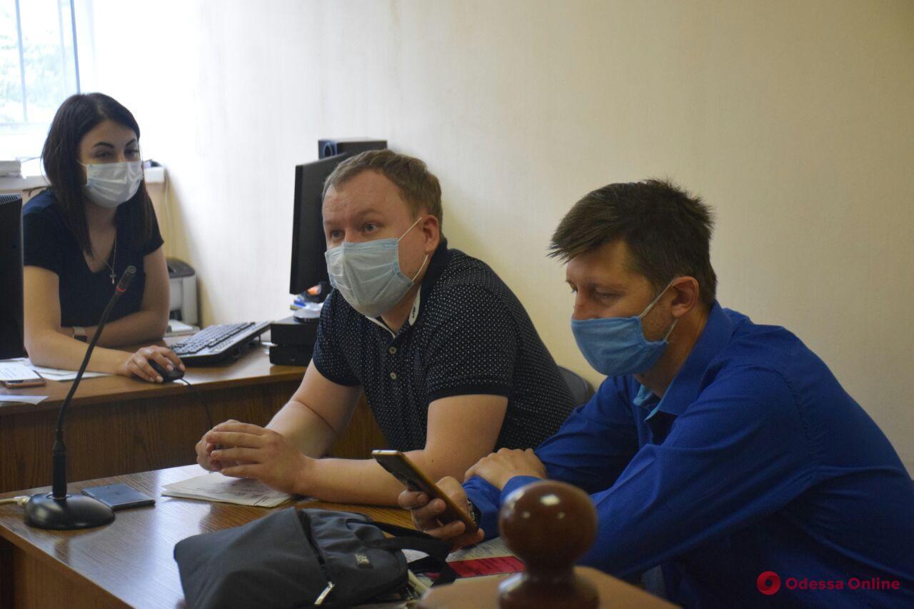 Дело 19 февраля: в суде допросили директора фирмы, автобусами которой перевозили «титушек»