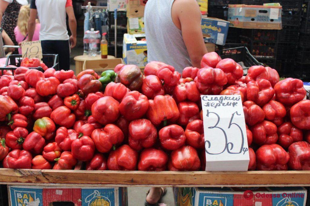 Арбузы, дыни и виноград: воскресные цены на одесском «Привозе»