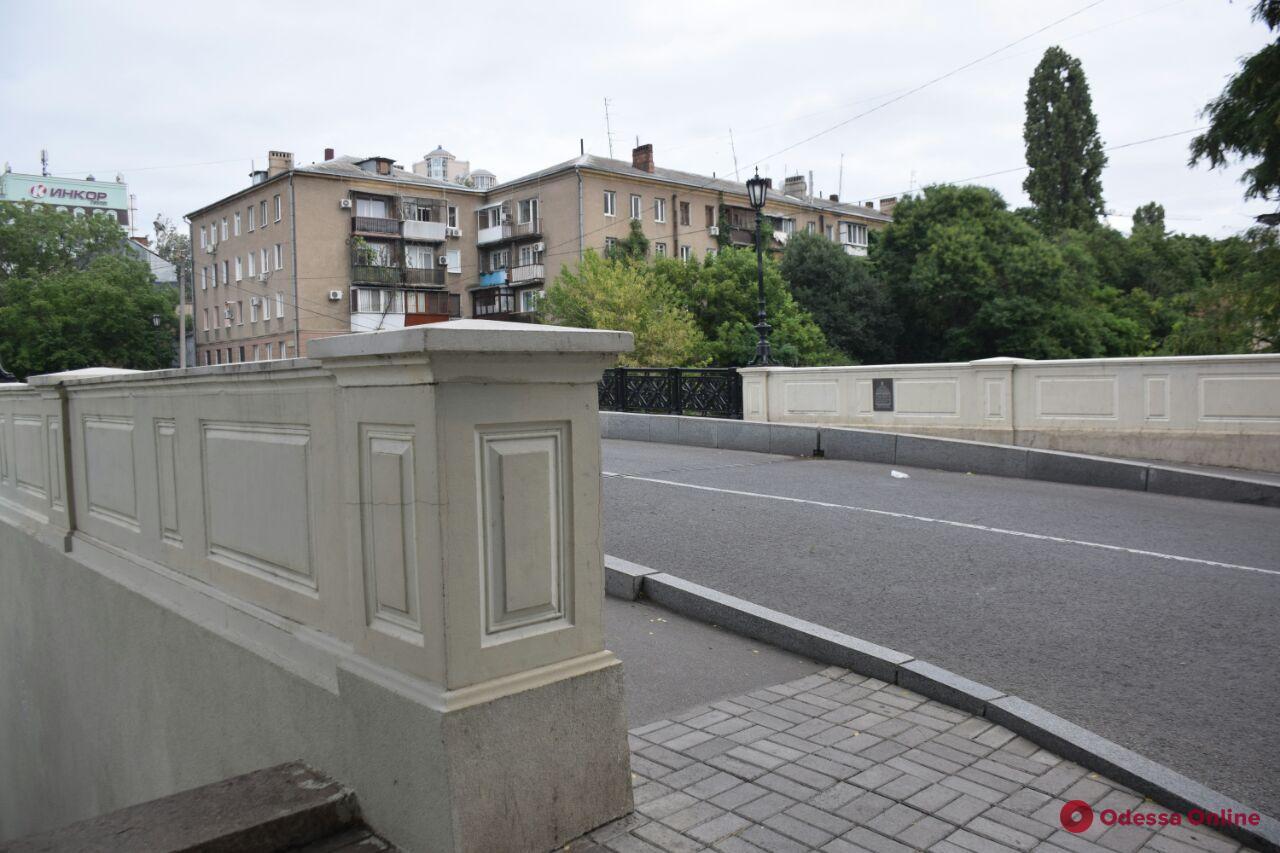 В центре Одессы 21-летний парень спрыгнул с моста