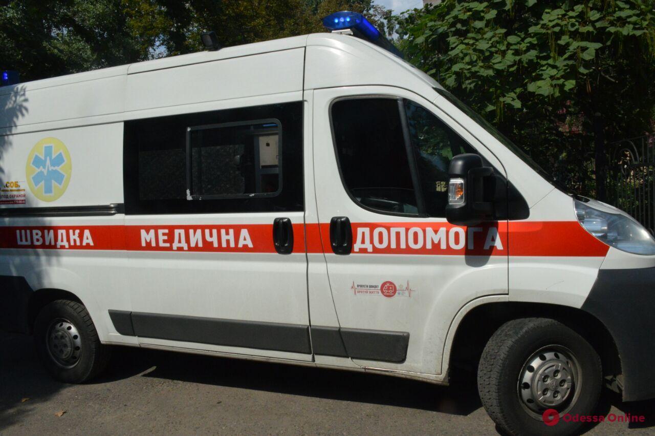 Житель Одесской области ударил односельчанку ногой — женщине пришлось удалить почку