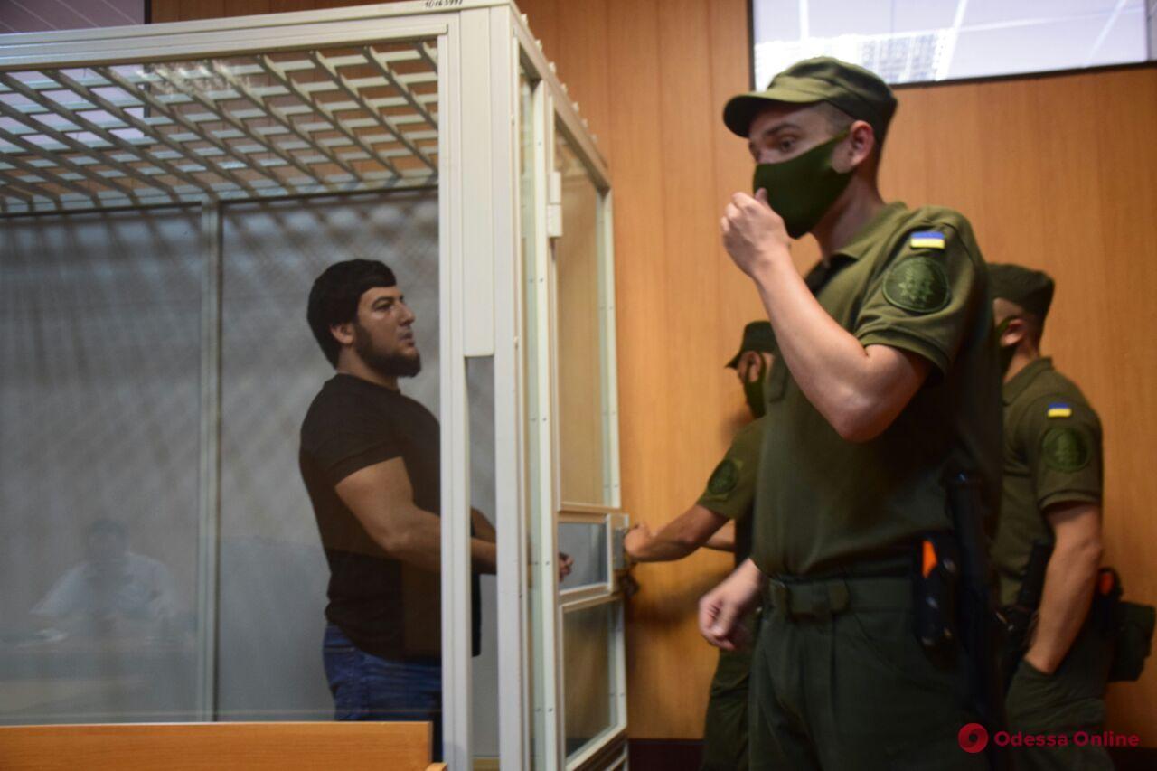Дело об убийстве Сергея Лащенко: обвиняемого оставили в СИЗО, а переводчик в который раз не явился в суд