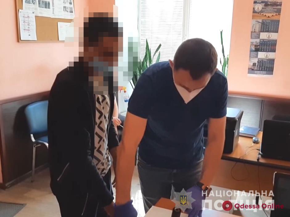 На перроне одесского вокзала двое разбойников напали на 16-летних киевлян