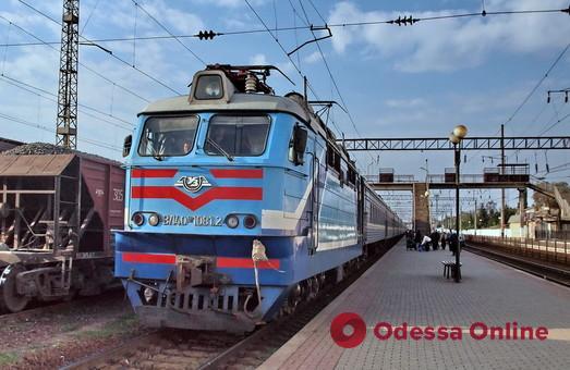В августе «Укрзализныця» планирует полностью возобновить  железнодорожные перевозки