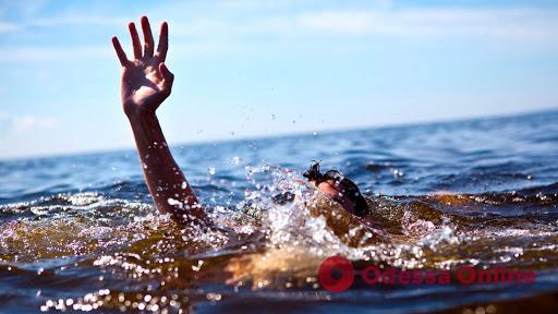 На причале в Черноморске утонул 37-летний мужчина