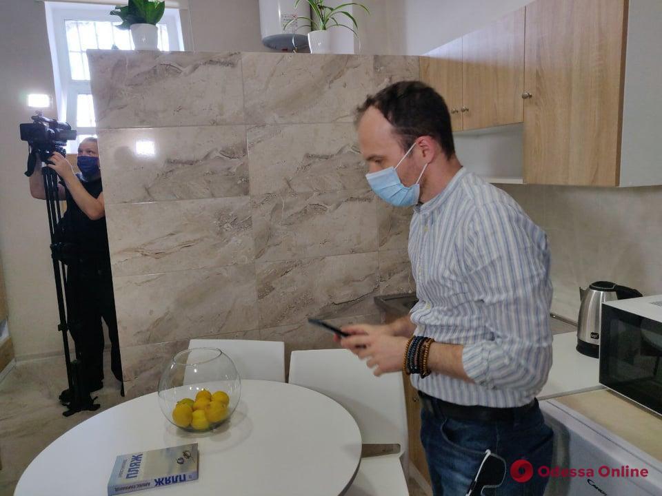 С кондиционерами, микроволновками и телевизорами: в Одесском СИЗО открыли платные VIP-камеры (фото)