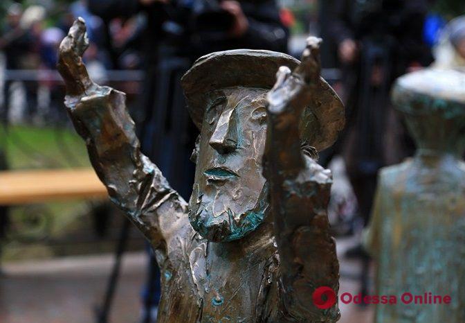 Неизвестные похитили фрагмент композиции «Одесское время» — автор готов восстановить его за свой счет