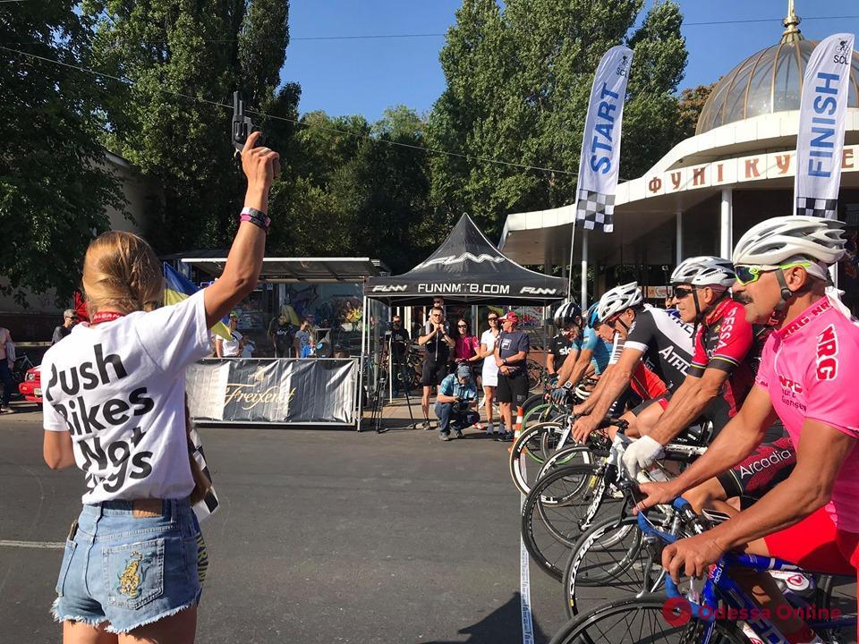 В Одессе стартовала традиционная велогонка «Odessa Grand Prix»