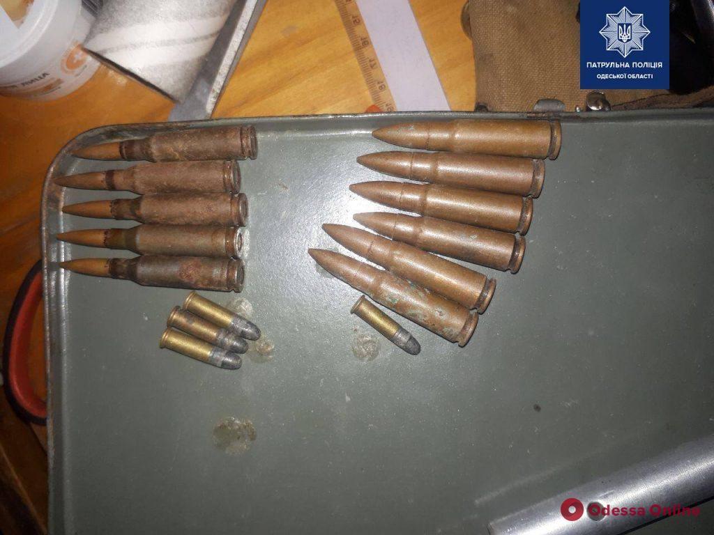 Угрожал соседу расправой: у пьяного одессита нашли ружье