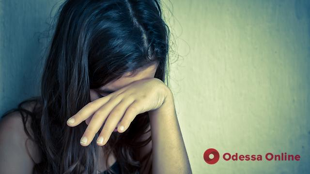 В Одесской области полиция проверяет информацию об изнасиловании 13-летней девочки отчимом