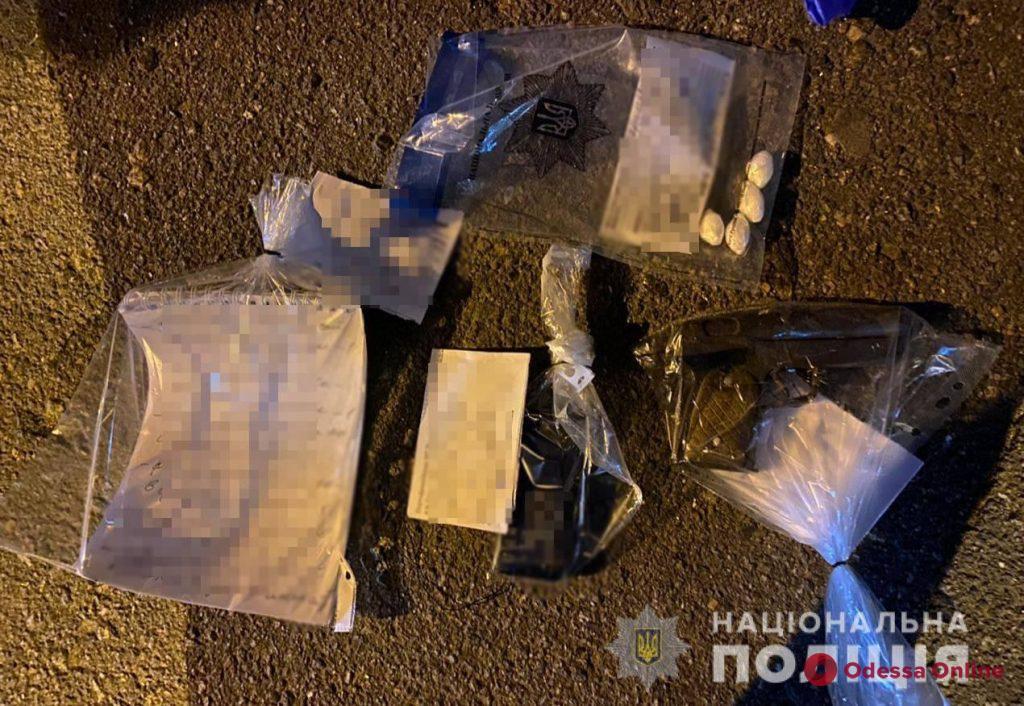 В центре Одессы поймали вооруженного иностранца-закладчика