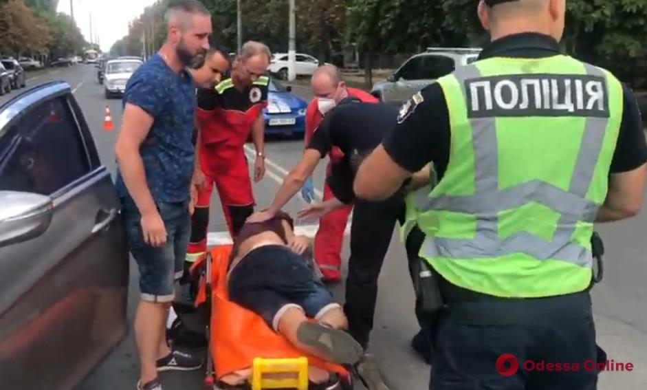 На Черемушках водитель угодил в ДТП и «отключился» (видео, обновлено)