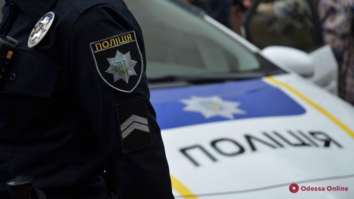 Избил дубинкой: в Одесской области экс-патрульный ответит в суде за превышение служебных полномочий