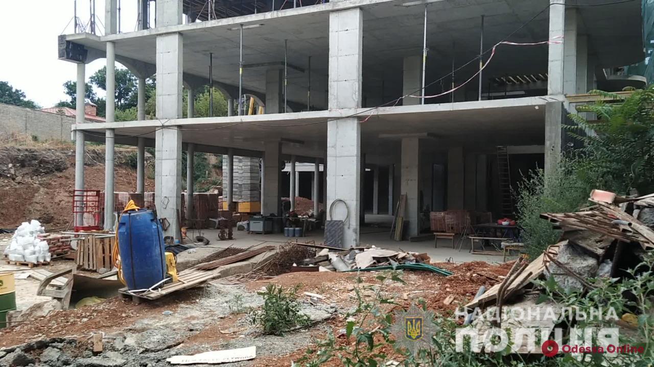 Строительство многоквартирного дома на улице Рыбальская Балка — полиция проводит расследование (фото, видео)