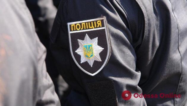 Одесского патрульного и его сообщника подозревают в угоне авто