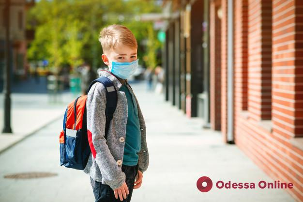 Учебным заведениям рекомендуют проводить занятия под открытым небом