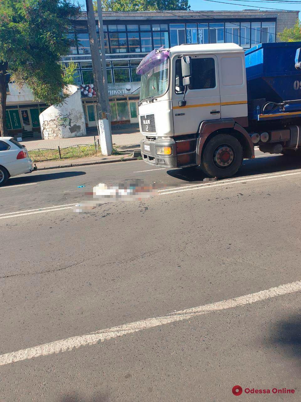 На Черемушках грузовик сбил женщину