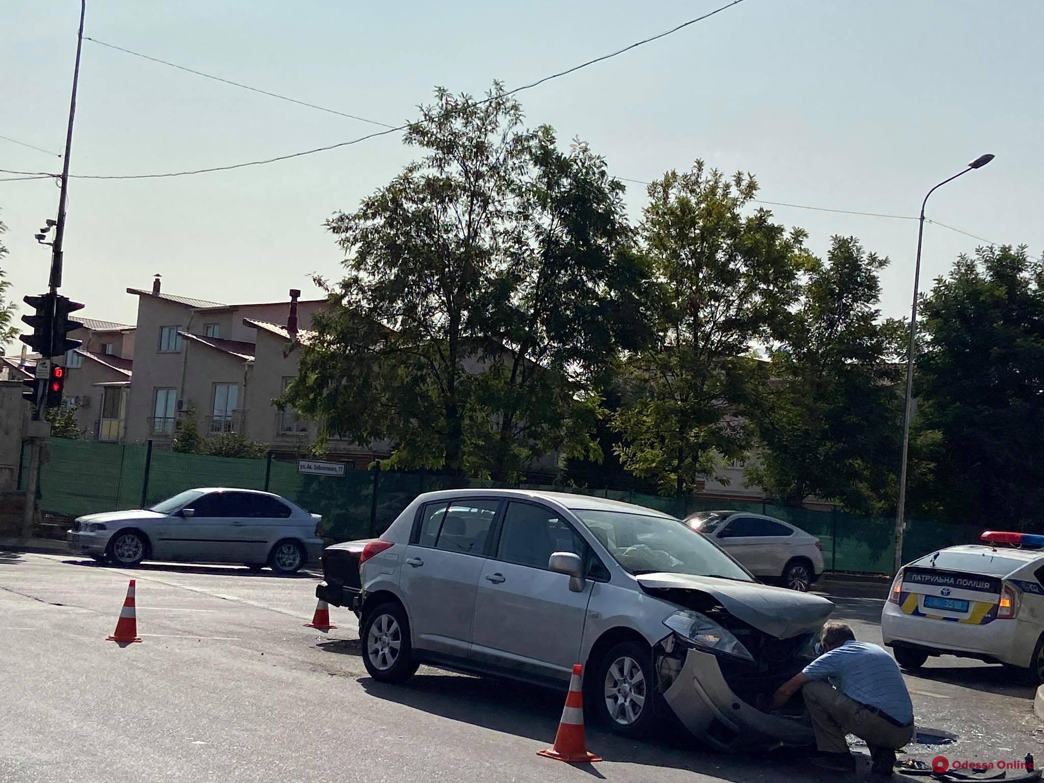 На поселке Котовского столкнулись «Жигули» и «Ниссан»