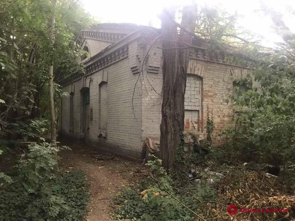 Суд вернул государству здания военного городка в Одессе
