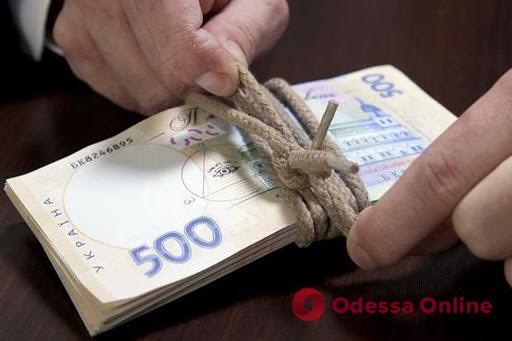 Экс-сотрудника одесского филиала «Укрзализныци» подозревают в подлоге и хищении 100 тысяч