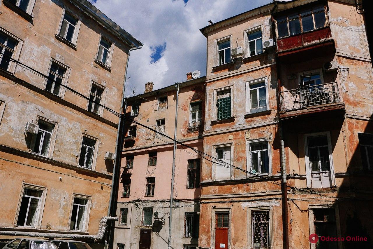 Прогулка по все еще летней улице Ольгиевской (фоторепортаж)