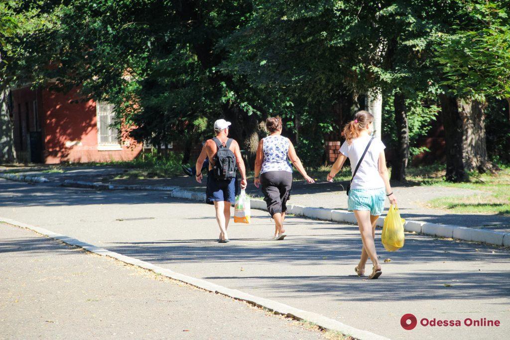 «Чкаловский» санаторий и одноименный пляж в первые дни осени (фоторепортаж)