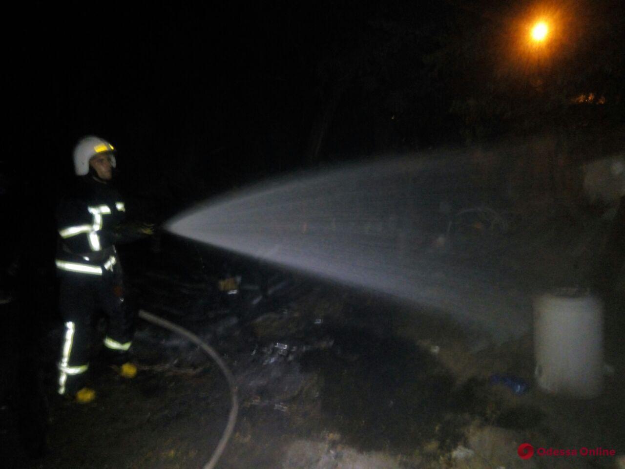 На Ланжероне тушили пожар на территории прибрежного кафе