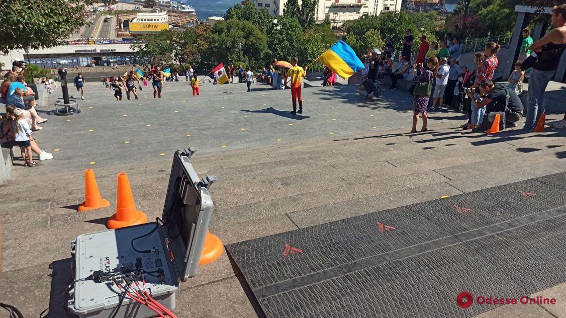 Профессиональные спортсмены приняли участие в забеге по Потемкинской лестнице