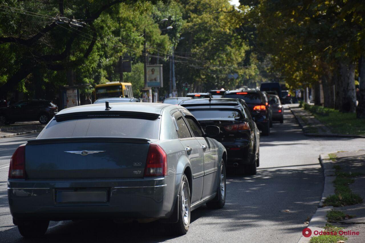 Дорожная обстановка в Одессе: пробки на Фонтане и в Аркадии