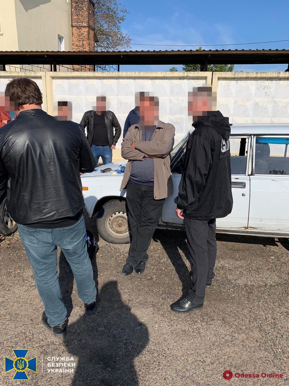 Попался на подкупе члена избирательной комиссии: подольского депутата отправили под домашний арест