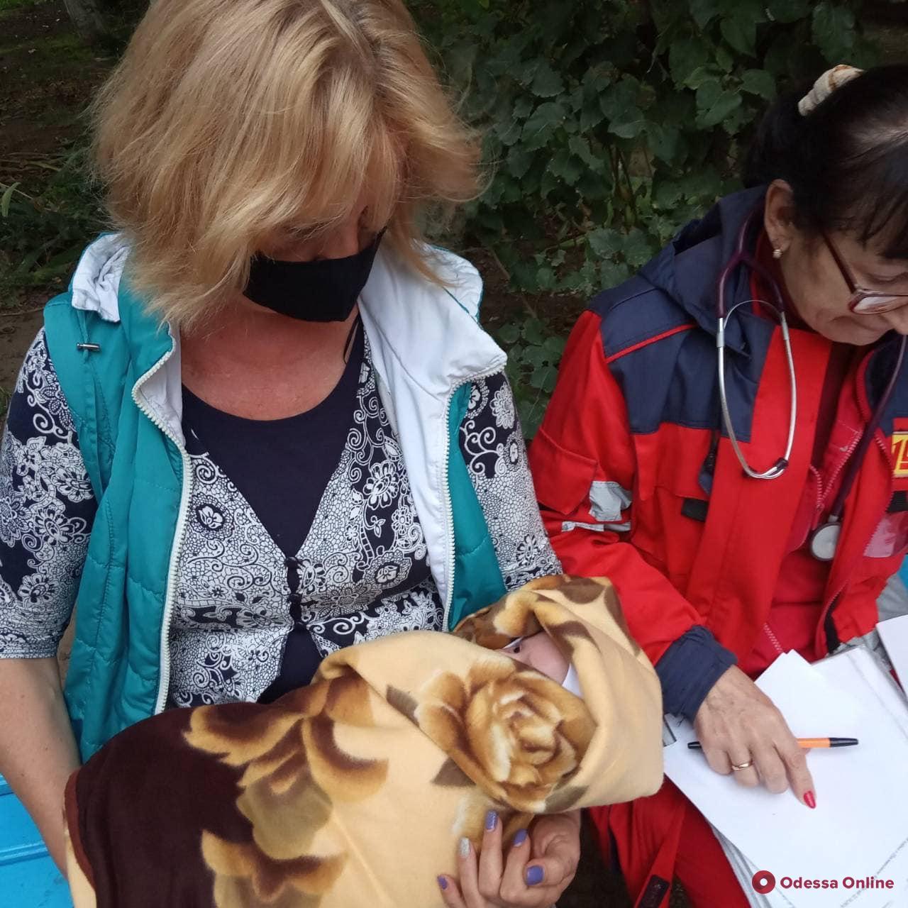 В доме антисанитария и тараканы: в Одессе новорожденного ребенка забрали у горе-матери