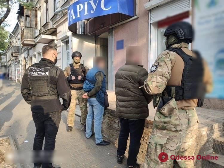 Мошенники пытались присвоить здание фискальной службы в Одессе (обновлено)