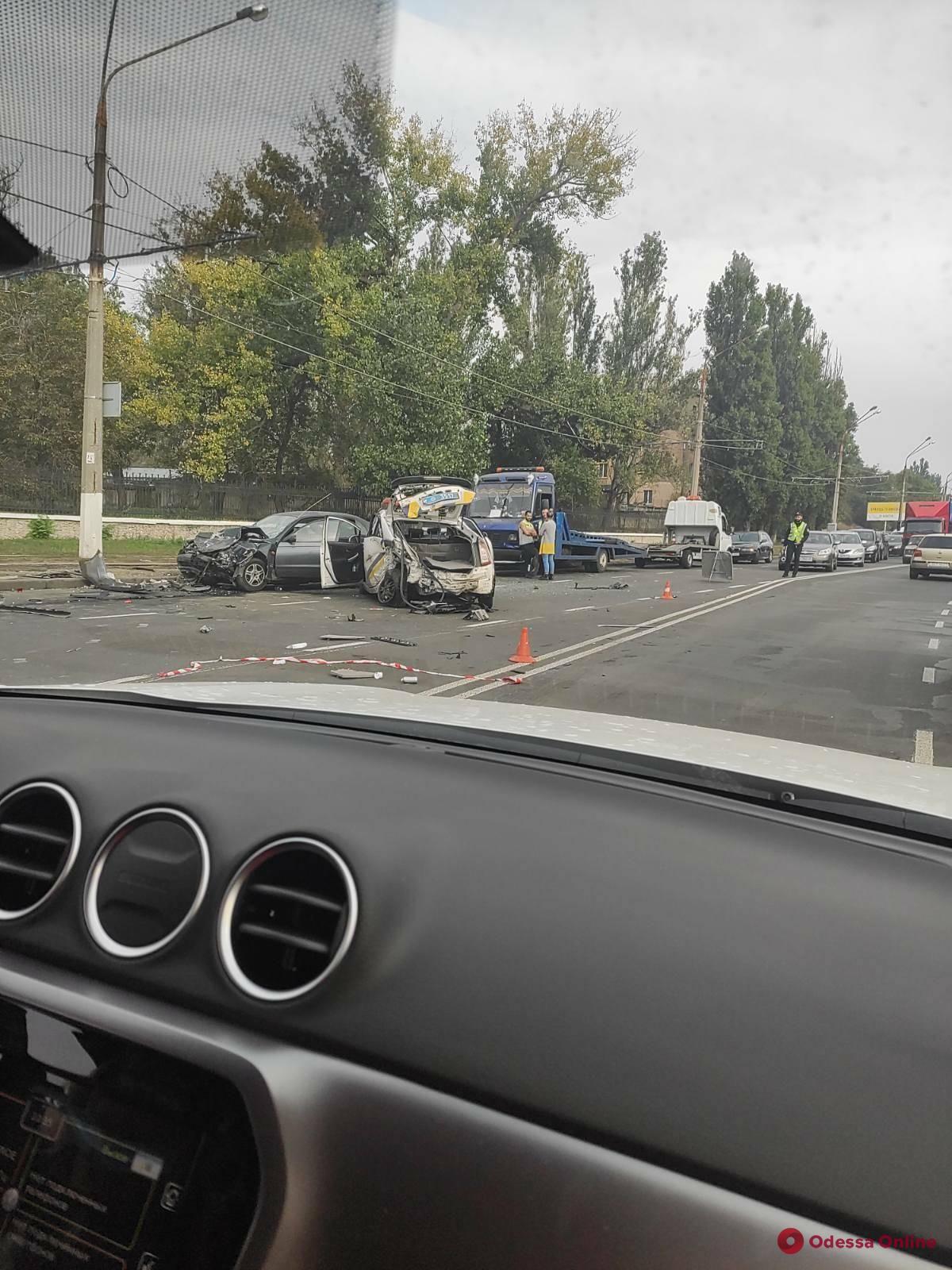 В районе «Стальканата» машина патрульных столкнулись с двумя авто (фото, обновляется)