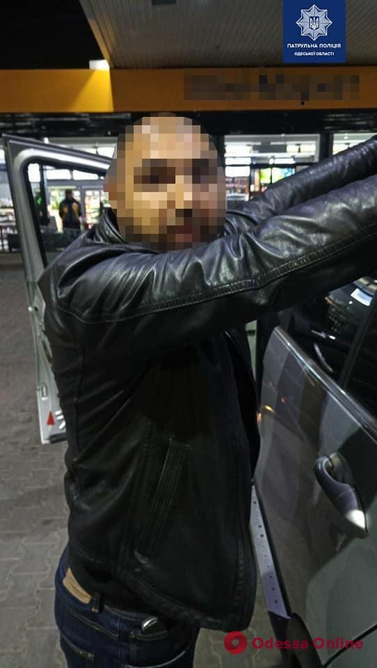 Одесские патрульные задержали грабителя на BMW