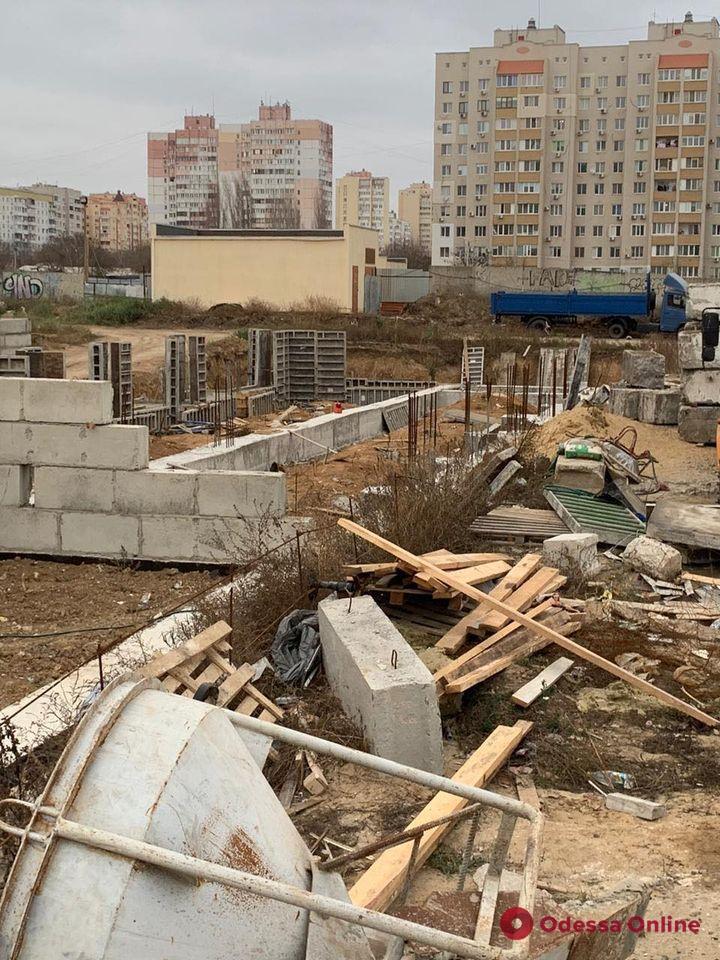 В Одессе подрядчик строительства школы присвоил 17 миллионов