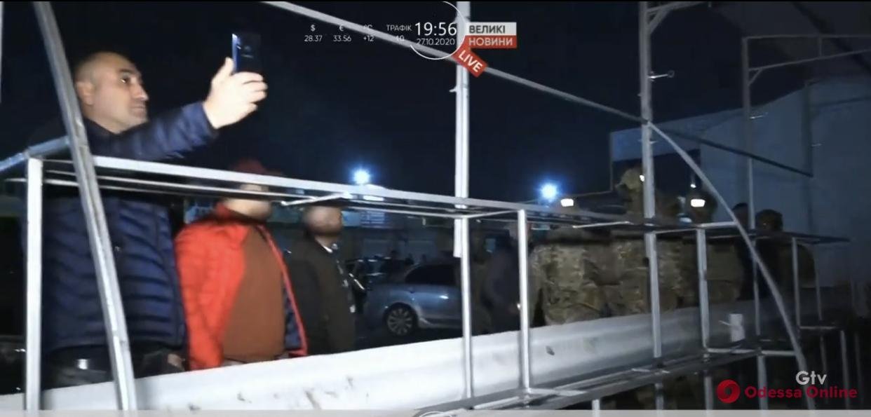 СБУ проводит обыски на «7 километре»: предприниматели протестуют