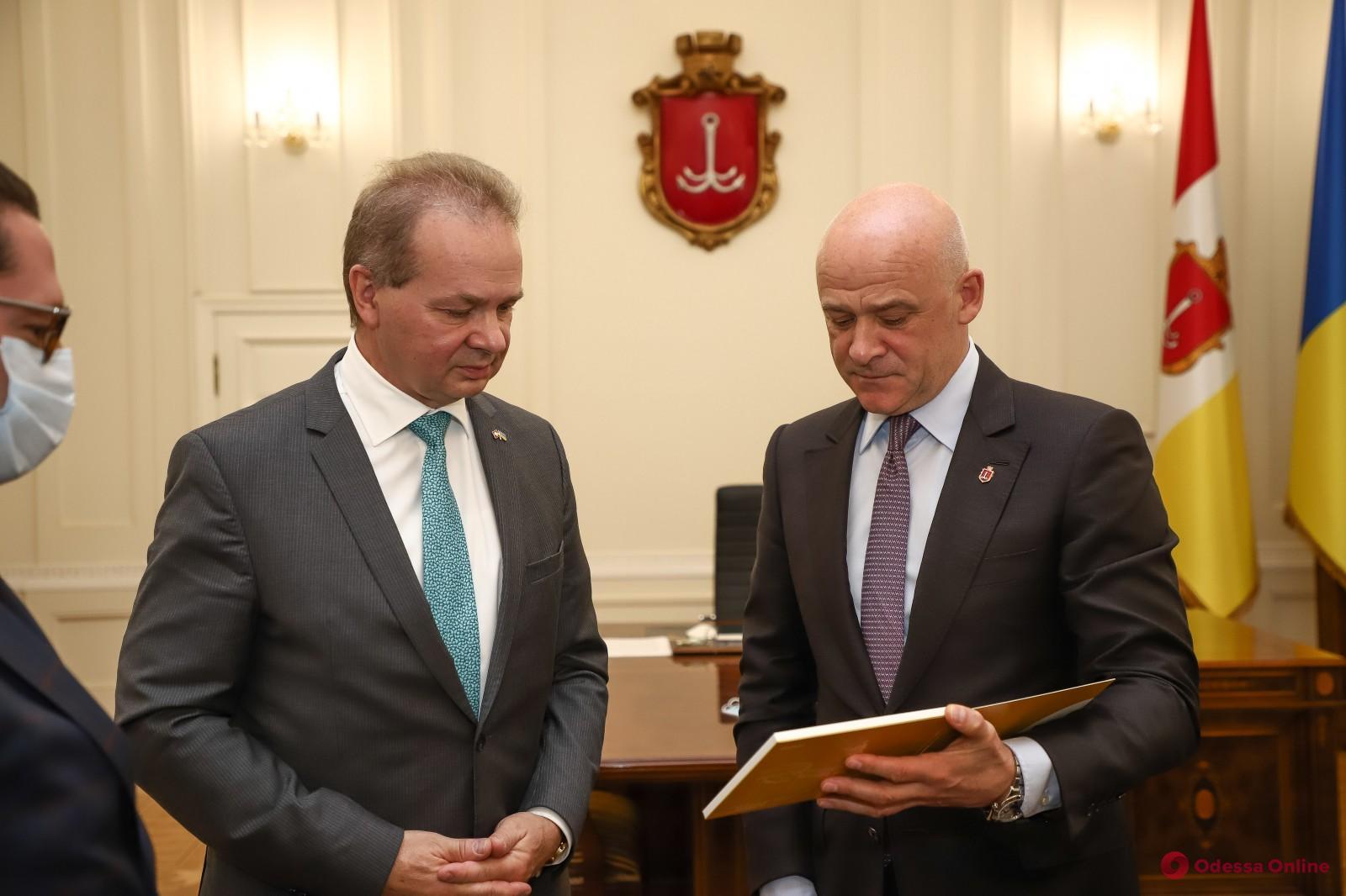 Мэр Одессы встретился с послом Швейцарии