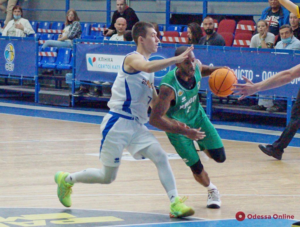 Баскетбол: «Одесса» неожиданно проиграла дома дебютанту Суперлиги