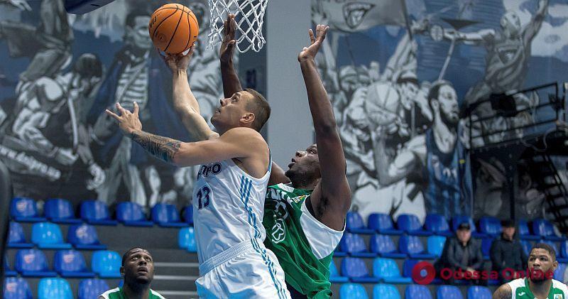 Баскетбол: «Одесса» побеждает в Днепре, «Химик» проигрывает «Днепру»